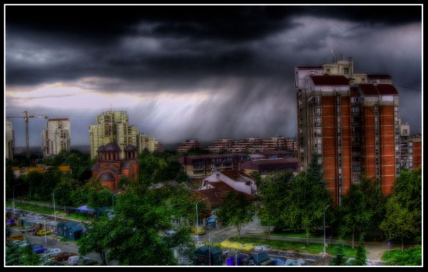 HDR Rain : Nikola's first HDR photo
